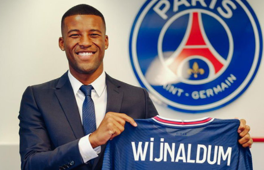"""Wijnaldum"" joins PSG wearing the number 18"