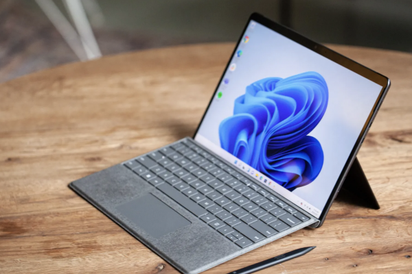 MICROSOFT SURFACE PRO 8 REVIEW THE BEST OF BOTH WORLDS